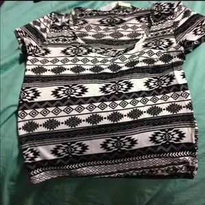 New S Tribal Crop Top Black & White